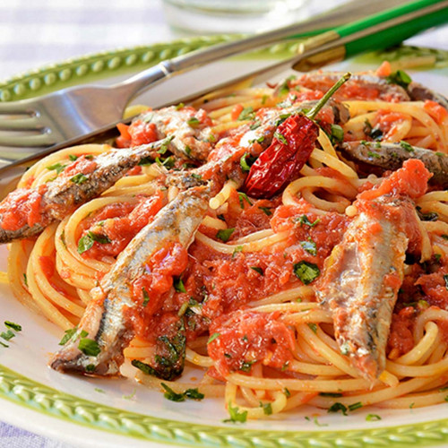 Espagueti con Sardina en Aceite de Oliva